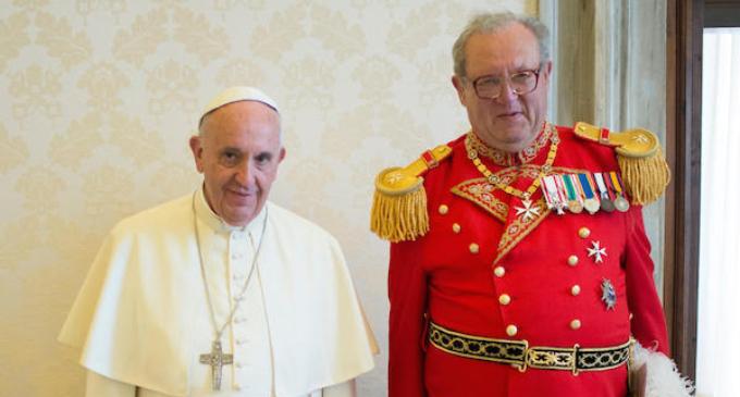 El Gran Maestre de la Orden de Malta presenta su dimisión al Papa