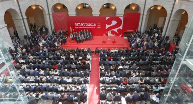 Cifuentes reivindica el espíritu de unidad del 2 de mayo para hacer frente a los retos de España