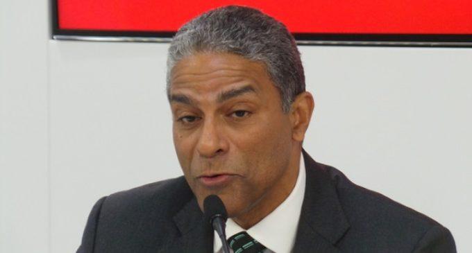 El Dr. Oscar Elías Biscet, activista provida y disidente, fue detenido por agentes de la policía castrista