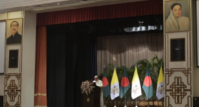Discurso del Papa a las autoridades civiles en Bangladesh