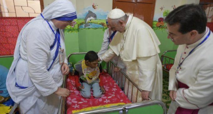 Bangladesh: El Papa visita a los más pobres en la Casa Madre Teresa