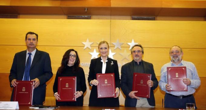 Cifuentes y los sindicatos cierran el primer acuerdo educativo de la legislatura en la Comunidad de Madrid