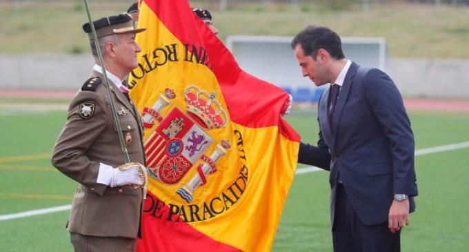 Aguado, en la Jura de Bandera de personal civil en Paracuellos de Jarama