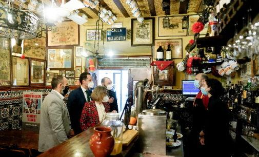 """Aguado respalda a la hostelería y recuerda a los madrileños: """"Tu restaurante favorito llega a tu casa hasta medianoche"""""""