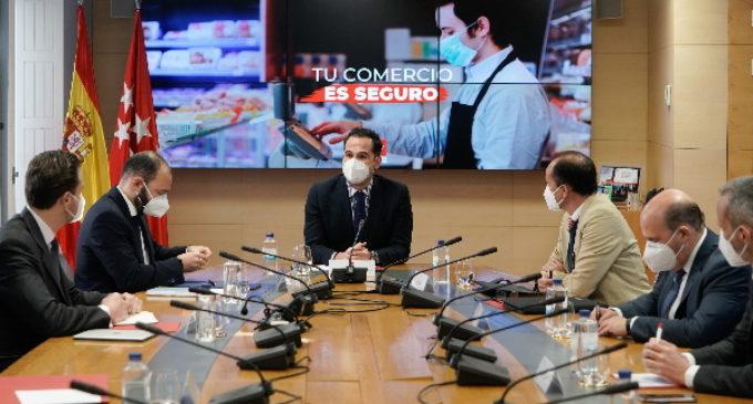 """Aguado se reúne con el sector comercial: """"Trabajamos para levantar restricciones"""""""