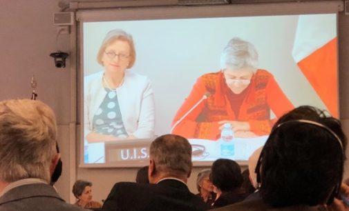 """""""Al asociarnos con religiosas, podemos hacer cambios y enfrentar desafíos globales"""", señala la embajadora británica en la Santa Sede"""