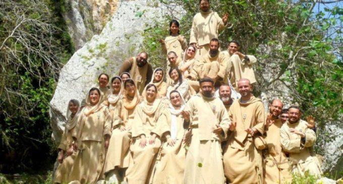 La alegría de vivir de Dios. Pequeños Frailes y Pequeñas Hermanas de Jesús y María: «No tocamos el dinero»
