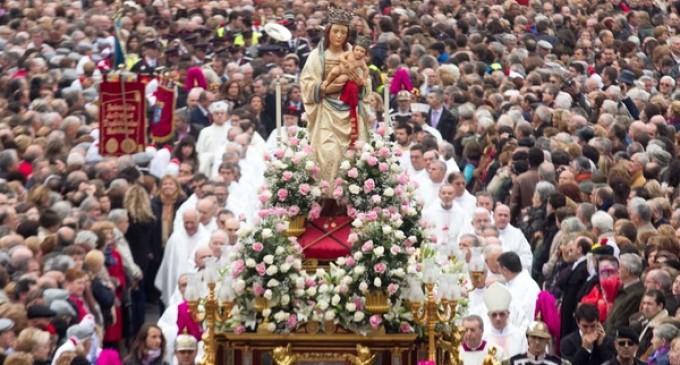 """Monseñor Osoro:  """"Madrileños, no os dejéis robar la mirada de la Virgen,  mirada de ternura, que fortalece por dentro y por fuera, y nos hace hermanos y solidarios"""""""
