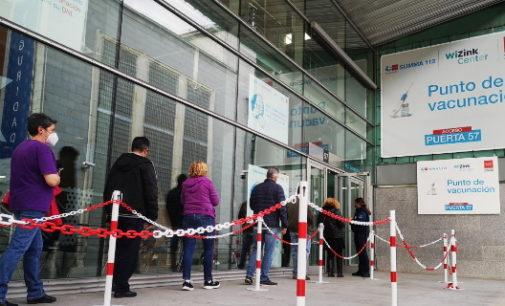 La Comunidad de Madrid amplía hoy el sistema de autocitación para vacunarse contra el COVID-19 a personas de 38 y 39 años