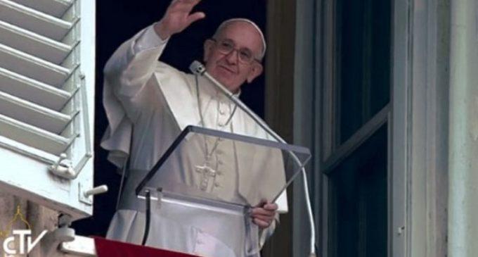 El Papa en el ángelus: 'En la hospitalidad real, el invitado debe sentirse escuchado'