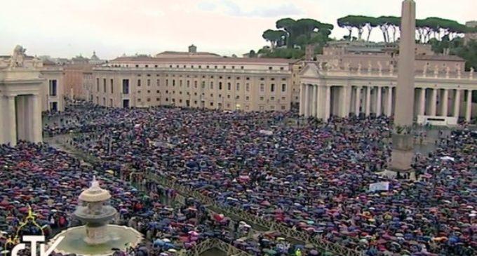 El Papa pide clemencia hacia los presos en el Año de la Misericordia