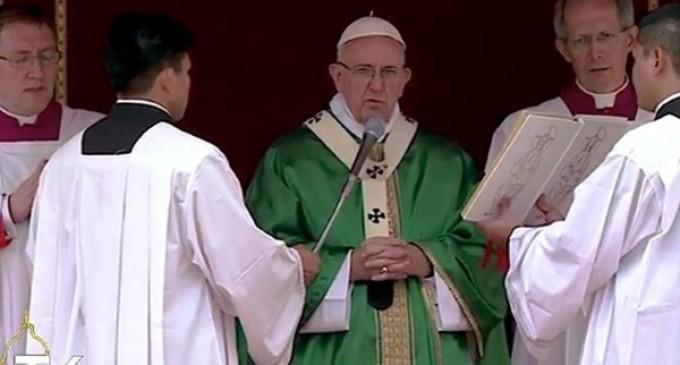 El Papa invita a los niños a rezar por la paz junto a sus coetáneos sirios