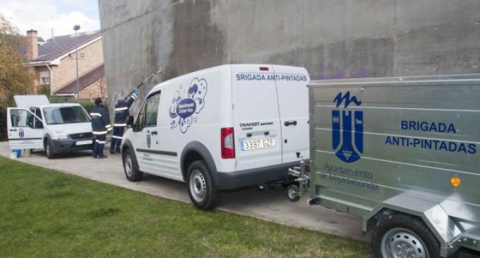 Majadahonda elimina más de 2.000 grafitis en lo que va de año