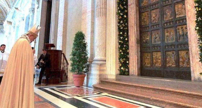 Las Puertas Santas de las basílicas papales en Roma cerraron el domingo 13 de noviembre