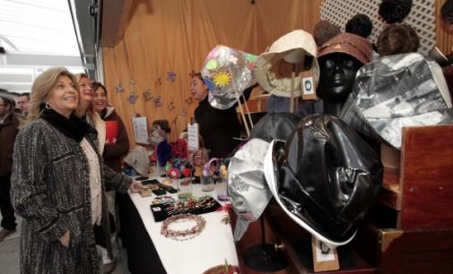 La Feria Mercado de Artesanía se instala en la Plaza de España como referente comercial del sector