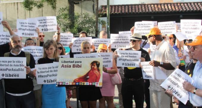 Suspendida la aplicación de la pena de muerte a Asia Bibi