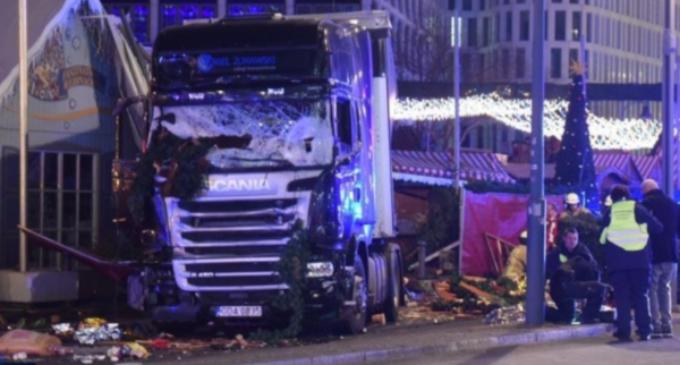 """Berlín: El cardenal Marx invita a """"permanecer unidos"""" tras el atentado"""