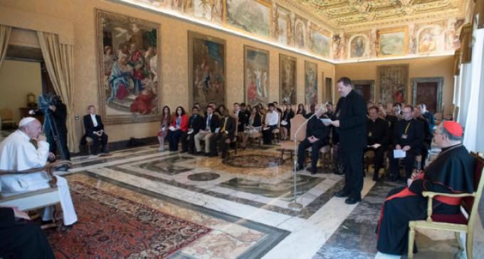 El Papa: 'El acceso al agua pura es un problema de justicia para el género humano, ricos y pobres'