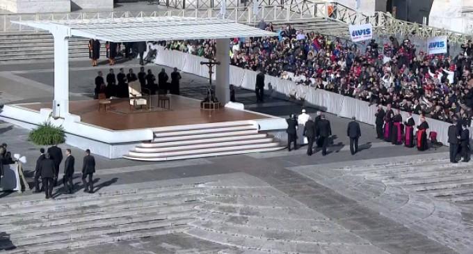 Tras el regreso de su viaje apostólico a México, Audiencia Jubilar del Papa : Misericordia y compromiso