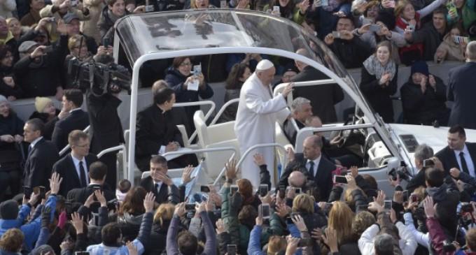 El Papa: La lógica de la misericordia no entiende de premios o castigos