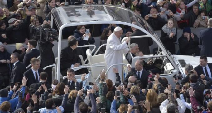 Francisco: El rico no es condenado por sus riquezas, sino por no compadecerse del pobre