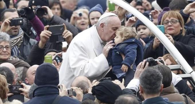 Veinte mil peregrinos en la primera audiencia jubilar del Papa Francisco: Misericordia y misión