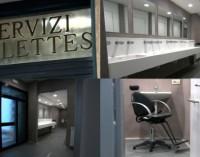 Duchas y barbería en la Columnata de San Pedro para los peregrinos sin hogar