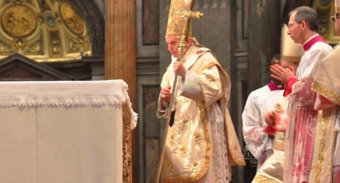 Benedicto XVI celebrará con Francisco el 65º aniversario de su ordenación sacerdotal