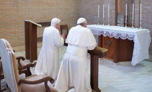 """Benedicto XVI alaba la """"continuidad interior entre los dos pontificados"""""""