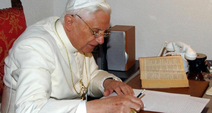 Benedicto XVI responsabiliza a la Revolución del 68 de los abusos sexuales en la Iglesia