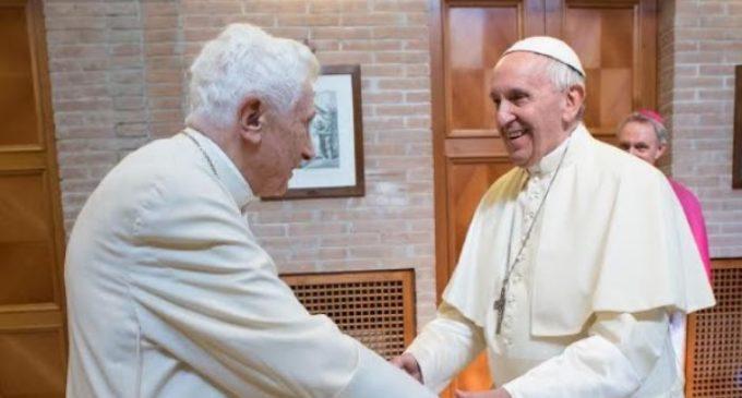 El Papa Francisco felicita a Benedicto XVI por sus 91 años