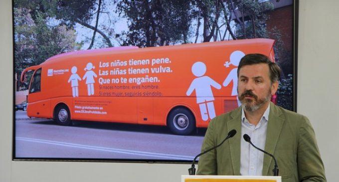 El #HOBus cumple sus primeros seis meses denunciando el adoctrinamiento sexual impuesto por los políticos a los niños