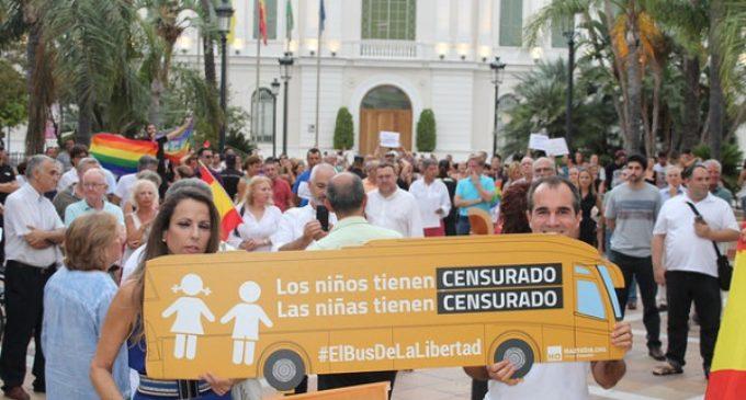 Protesta contra  la #LeyMordazaLGTBI de Podemos y la censura impuesta por el Ayuntamiento de  El Puerto de Santa María