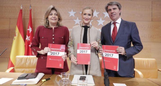Cifuentes afirma que los Presupuestos de la Comunidad de Madrid 2017 permiten avanzar en la recuperación social