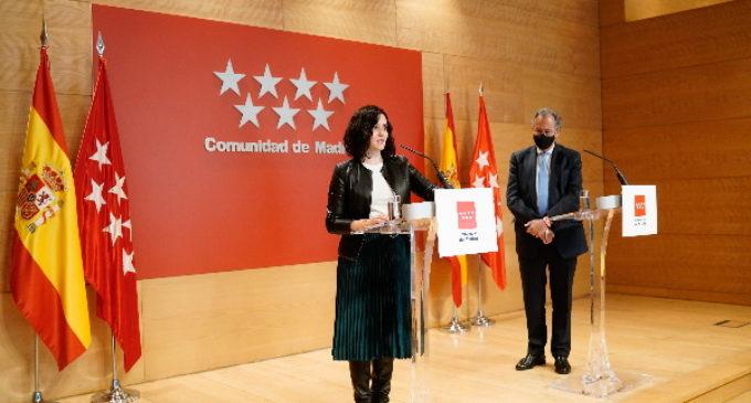 """La presidenta de la Comunidad de Madrid condena el """"trato infame"""" al turismo en España y rechaza señalar a los franceses como borrachos"""