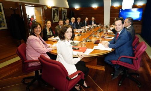 La Comunidad de Madrid aprueba un aumento  del 2% en la nómina de cerca de 170.000 empleados públicos