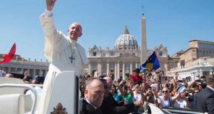 El Papa invita a llevar en el corazón la sonrisa de Madre Teresa