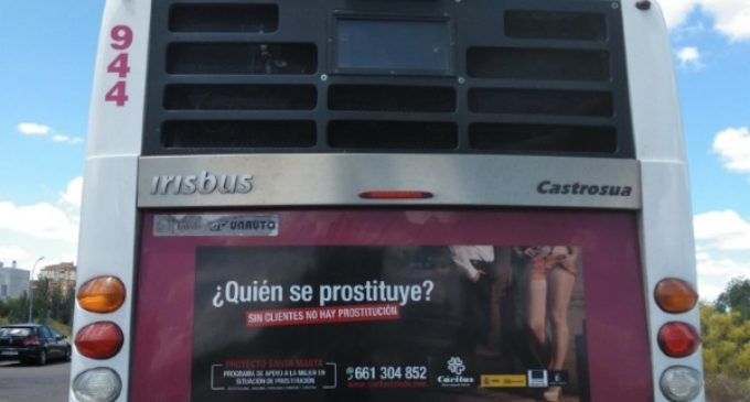 Cáritas Toledo lanza la campaña Sin clientes no hay prostitución, que difunde en los autobuses