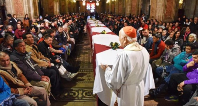 Chile: Jubileo de la Misericordia con 250 personas sin hogar en la catedral de Santiago