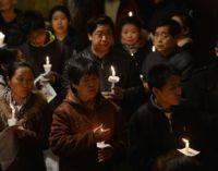 China estrecha el cerco sobre los cristianos. El Papa «acompaña con solicitud» el diálogo
