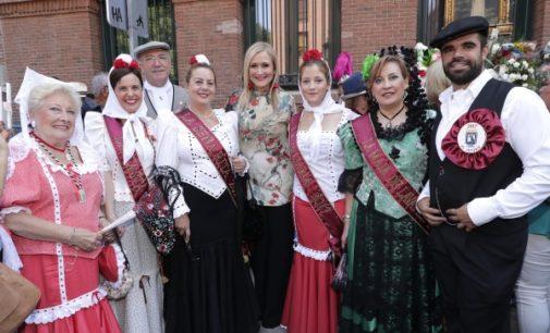 Cifuentes participa en la conmemoración de la festividad de La Paloma