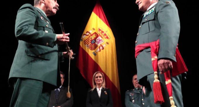 Cifuentes, en la imposición de la faja de General de Brigada de la Guardia Civil a Santiago Caballero
