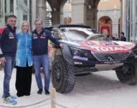 Cifuentes ensalza los valores humanos y deportivos de Carlos Sainz y Lucas Cruz, vencedores del rally Dakar 2018