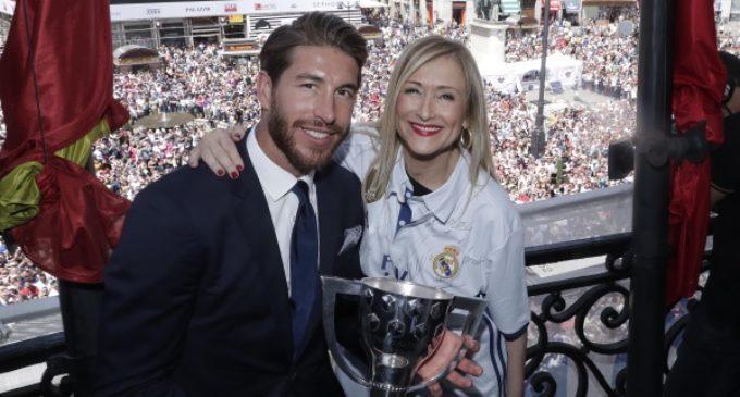 """Cifuentes felicita al Real Madrid, """"un equipo universal que está paseando por todo el mundo el nombre de Madrid y de España"""""""