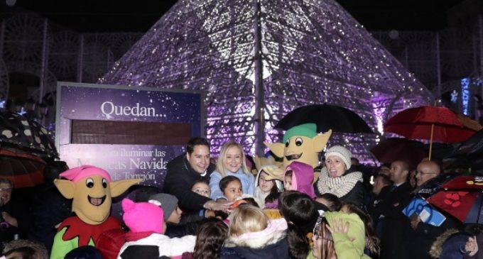 Las 'Mágicas Navidades' de Torrejón de Ardoz son inauguradas por Cristina Cifuentes