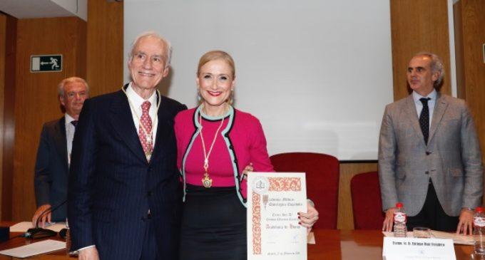 Cifuentes, nombrada Académica de Honor de la Academia Médico-Quirúrgica Española