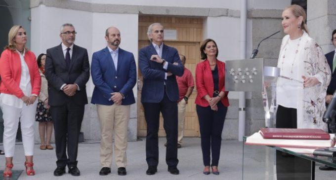 Cifuentes preside la toma de posesión de la nueva gerente de Madrid 112