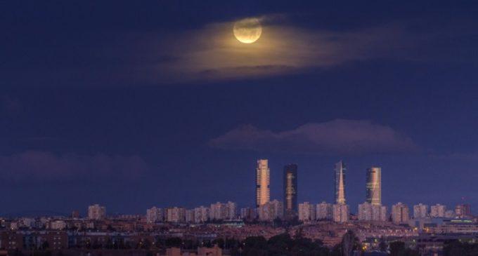 La ciudad no duerme… y Dios tampoco