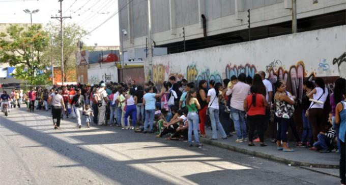 """Venezuela: """"La situación es terrible, la gente pasa hambre, se violan los derechos humanos"""""""