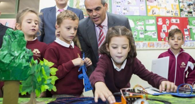 El colegio Santo Domingo, puntero en tecnología, cuenta con 5 canales de TV, radio y periódico online